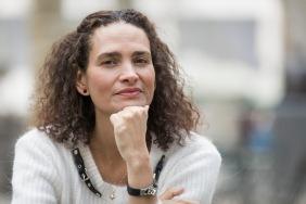 Portrait Frédérique Bedos